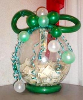 Как упаковать в шар подарок и деньги