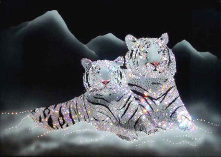 """Картина со стразами Сваровски """"Тигры"""" —  подарок ручной работы"""